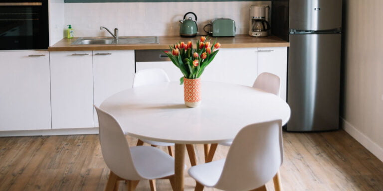 What Is The Best Dining Table For Your Room