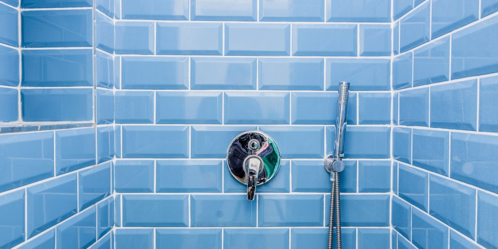 bold blue bathroom tiles